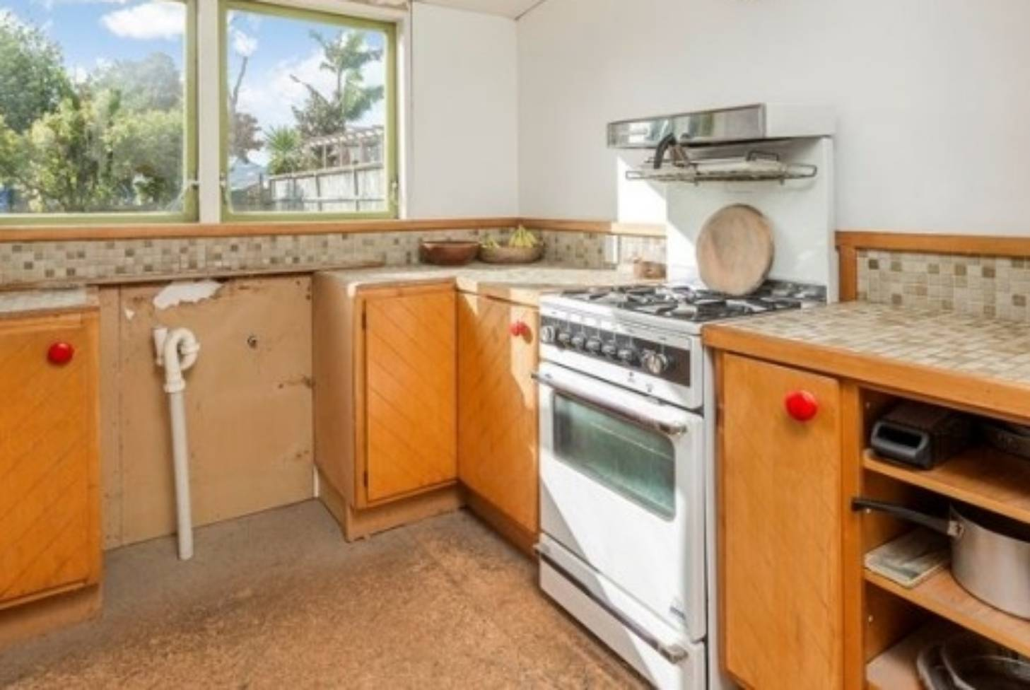 Everything-but-the-kitchen-sink house sells for $1 2 million