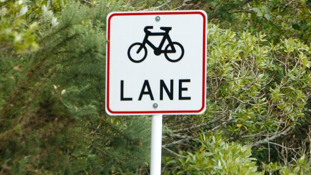 Many Australian cyclists are being hurt in on-road cycle lanes.