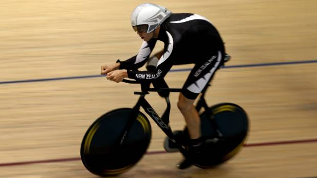 Raubenheimer switched from para-snowboarding to para-cycling in 2014.