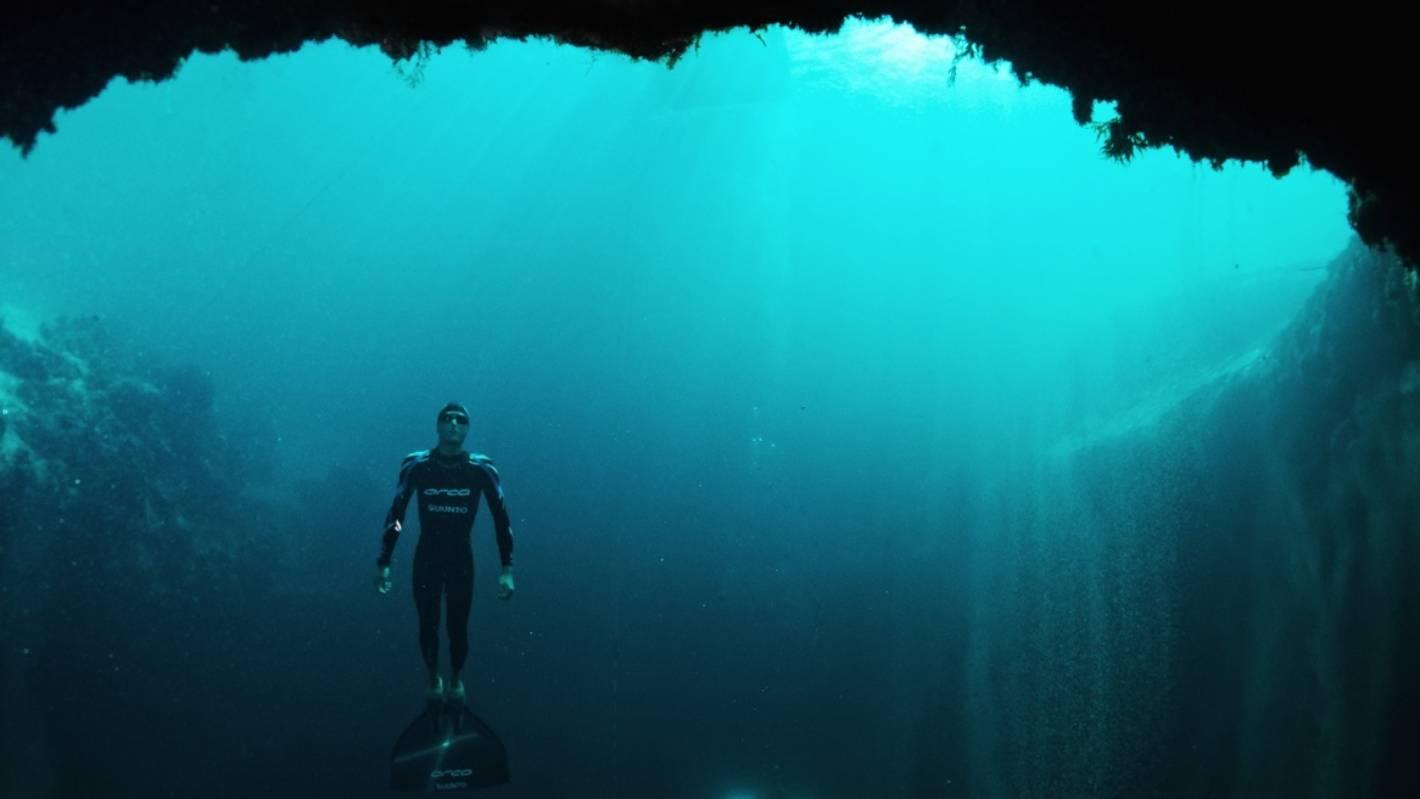 Into The Blue: Free-diver William Trubridge Goes Deep