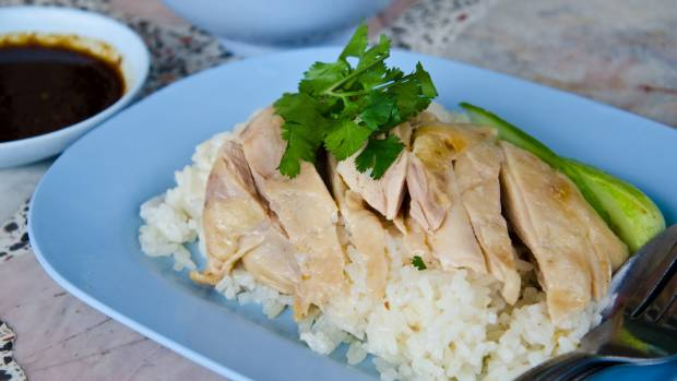Chicken rice is simple and delicious.