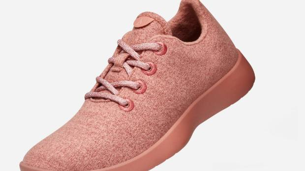Allbirds have just launched the Wool Runner range in new colours, including dark blue, light red, light green, and black.