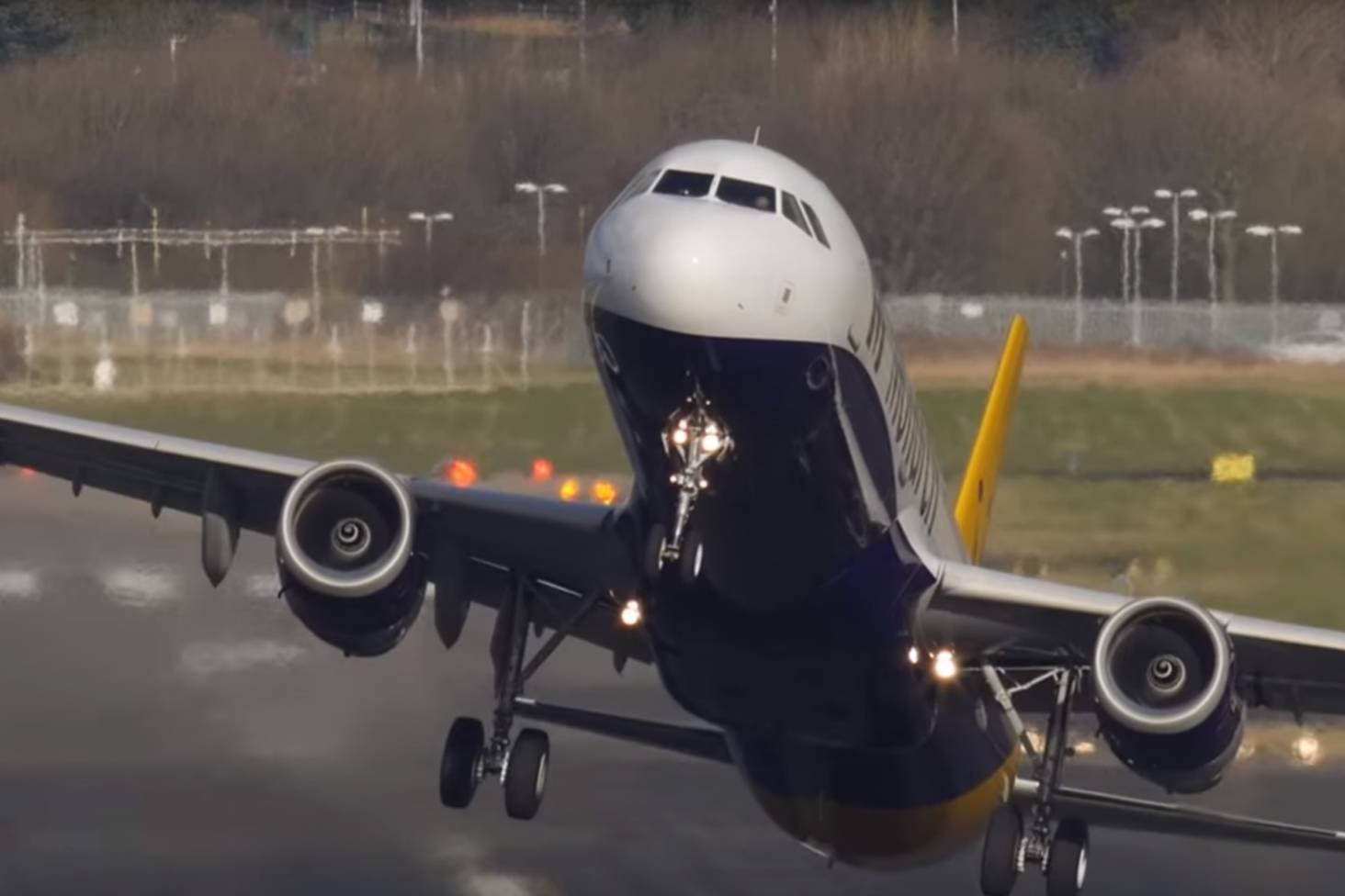 How airplanes handle flying in wild weather | Stuff co nz