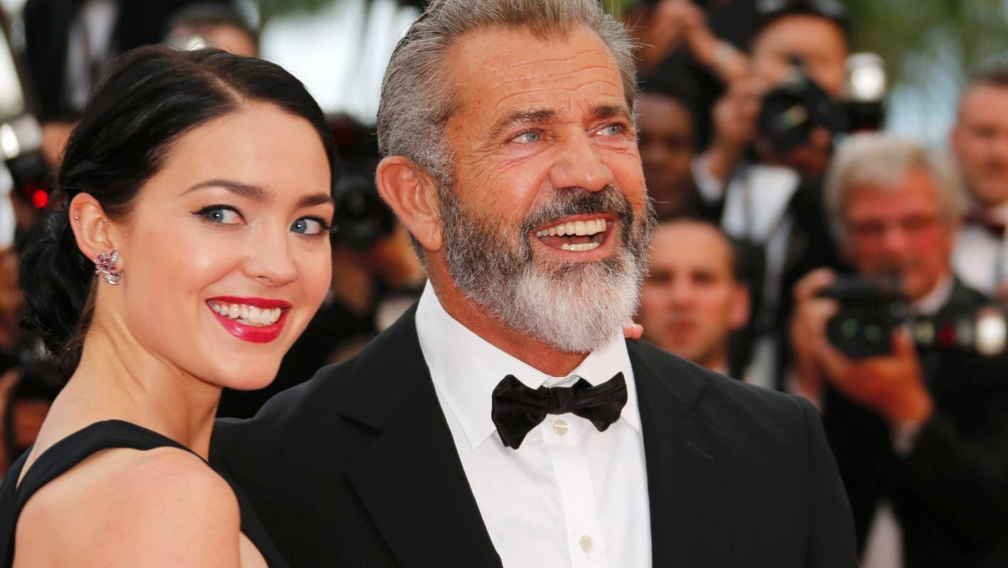 60-year-old Mel Gibson will be the father for the ninth time 09/17/2016 49