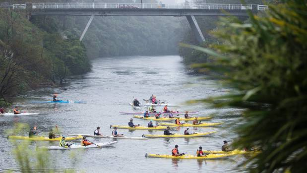 Paddlers in the 2016 Cambridge to Hamilton Paddle Race.
