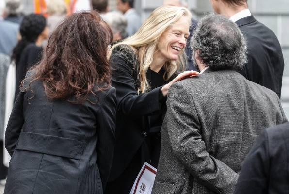 Filmmaker James Cameron's wife Suzy Amis Cameron is greeted by Sir Peter and Lady Jackson.