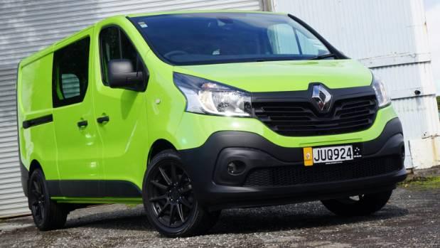 renault trafic van gets green light from keen drivers. Black Bedroom Furniture Sets. Home Design Ideas