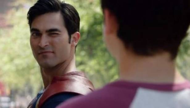 Tyler Hoechlin's Superman is a little more playful that the big screen version.