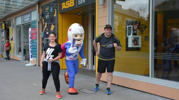 Emma-Rose Forrester and Howard Gilbert are running this year's Auckland Marathon to raise money for Starship.