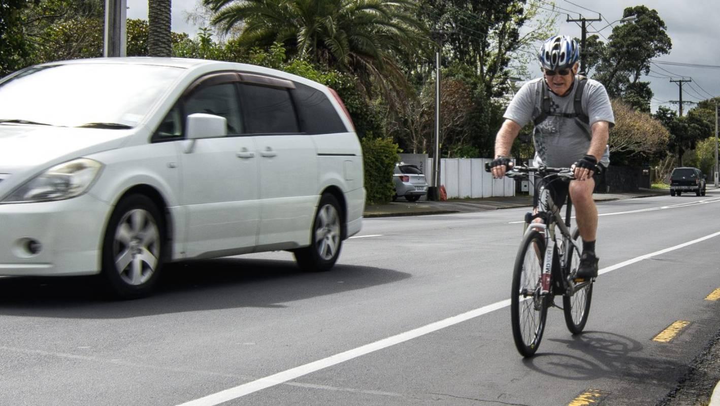 Helmet law unfairly targets cyclists, say bike advocates | Stuff co nz