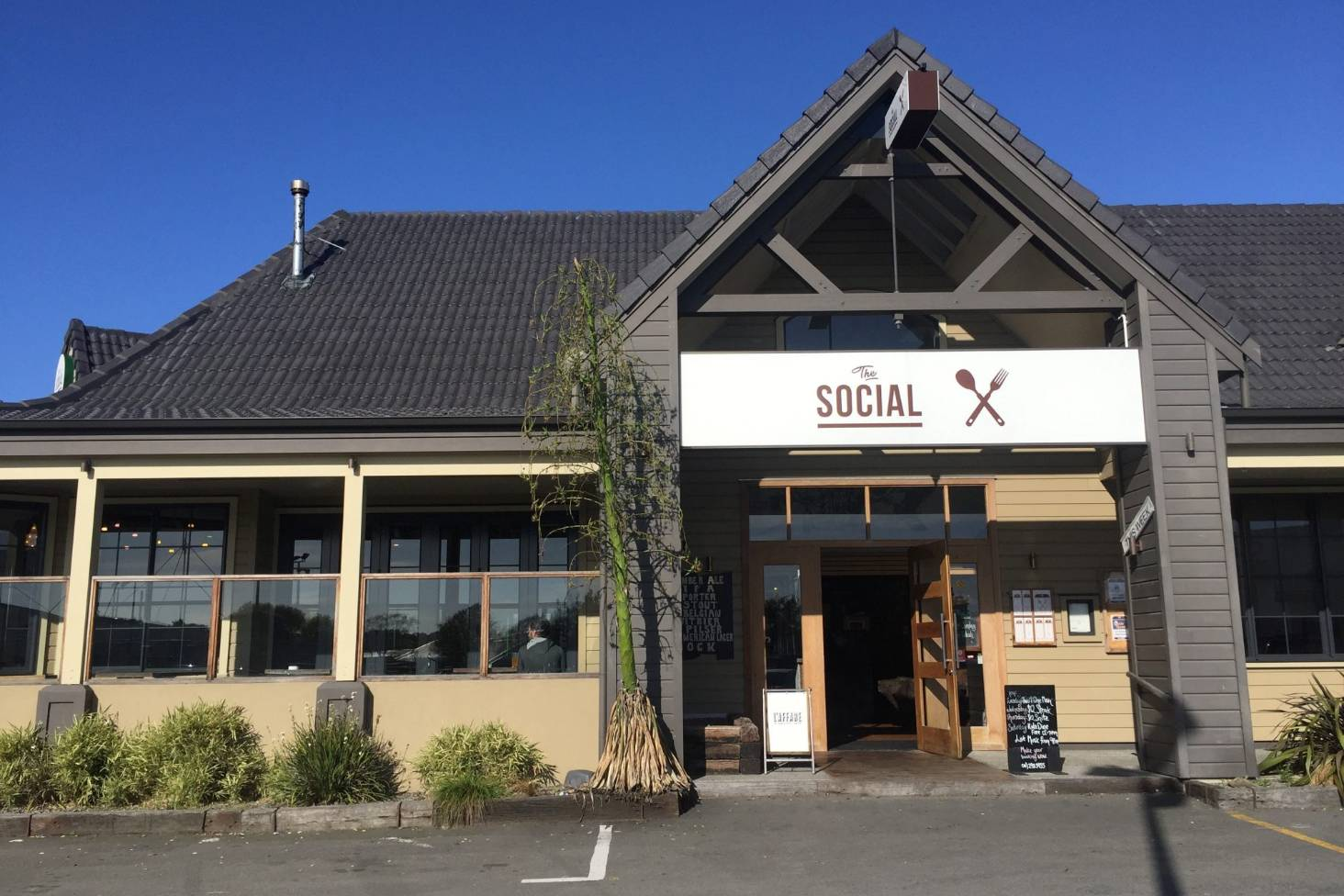 Restaurant owes workers, IRD $46k