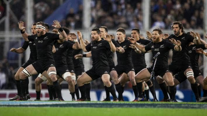 All Blacks Use A Special Face Mask When Flying To Beat Jet Lag Stuff Co Nz