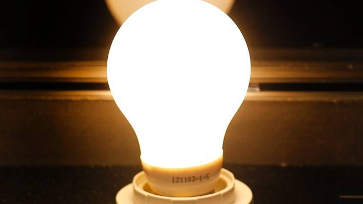 Switching to LED lightbulbs saves at least $100 a year: EECA