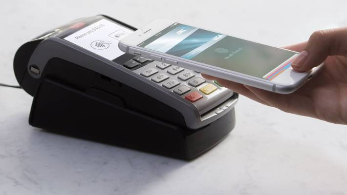 Apple criticises owners of NZ banks over Apple Pay boycott