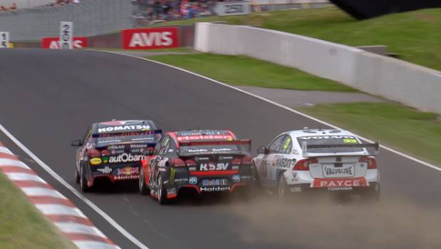 The contact between Jamie Whincup (left), Garth Tander and Scott McLauchlin (right) that caused the controversial ending ...