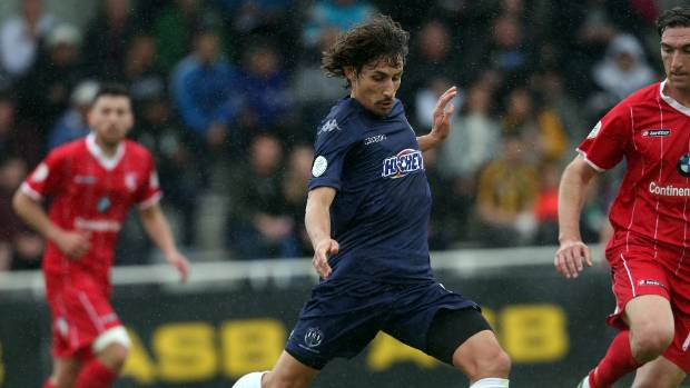 Albert Riera has returned to Auckland City from the Wellington Phoenix.