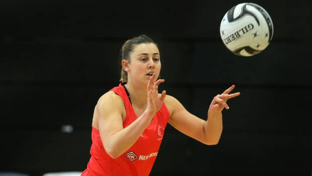 Silver Ferns player Gina Crampton passes the ball at Silver Ferns training in Invercargill.