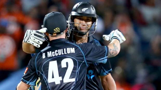 Brendon McCullum and Ross Taylor celebrate an ODI win in 2014.