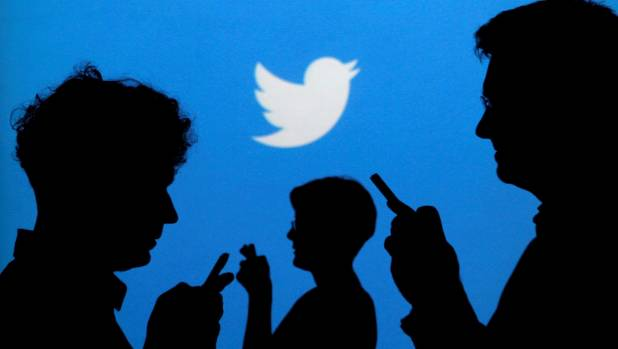Outages Hit WikiLeaks, Twitter
