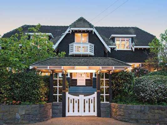 Remuera Arts And Crafts Beauty Designed By Sholto Smith