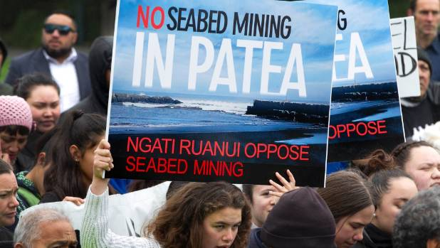 Ngati Ruanui  protest at Parliament grounds against proposed seabed mining off the coast of South Taranaki.