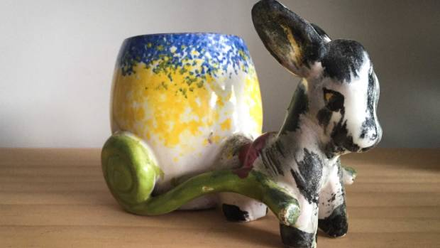 The china donkey vase that Amanda's mother was given as a child.