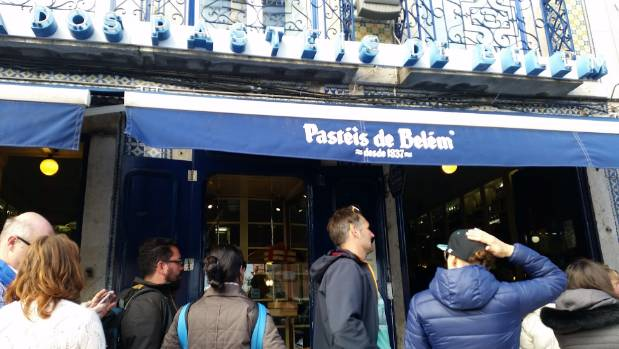 Pastel de Belem - queues snaked down the road.