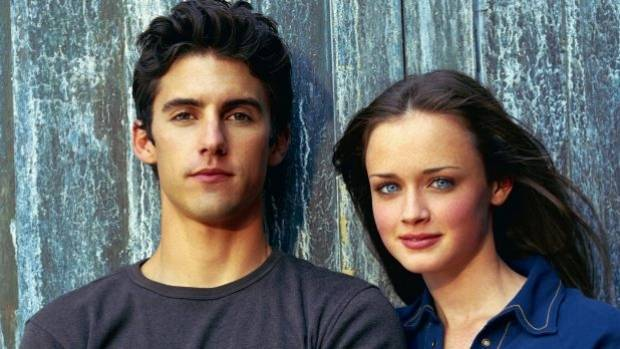Milo Ventimiglia, who plays Jess and Alexis Bledel both return to Stars Hollow in the arrival.