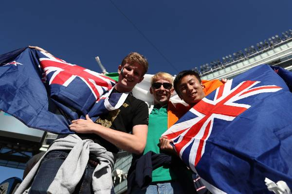 New Zealand and Ireland fans show their support for their teams ahead of the Soldier Field test.