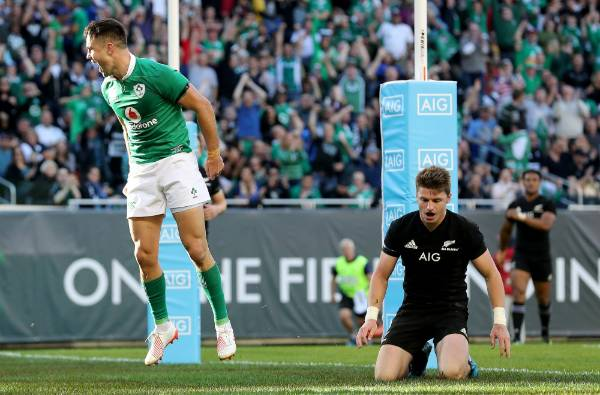 Ireland's Conor Murray celebrates his team's third first half try against the All Blacks at Soldier Field.