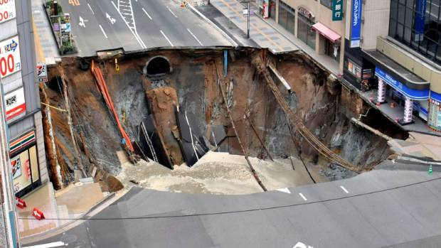 Massive sinkhole created in the centre of major city