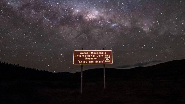 A dark sky park allows us to enjoy the beauty of the night sky, such as is already the case in the Mackenzie Basin where ...