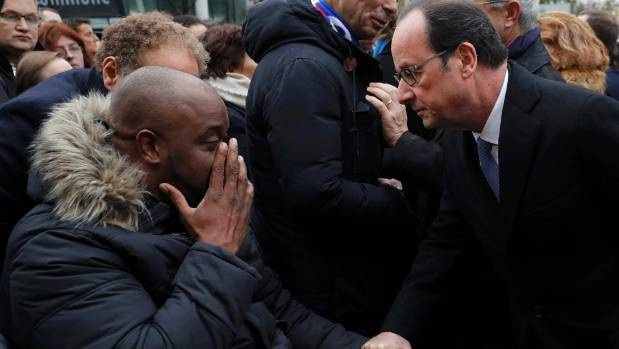 Hollande opens Paris attacks commemorations