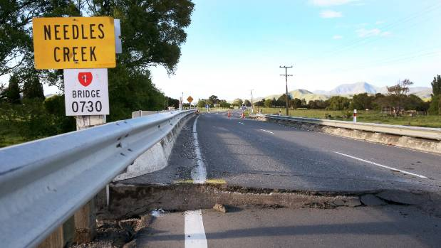 New Zealand towns evacuated as aid arrives into the earthquake-stricken country