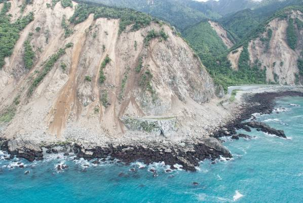 Photos taken from a NZDF helicopter show massive rockfalls in several areas in the upper South Island.