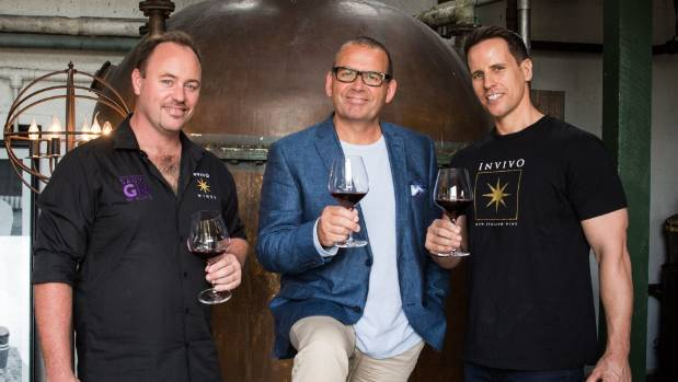 Invivo co-founders Rob Cameron (L) and Tim Lightbourne (R) with Paul Henry.
