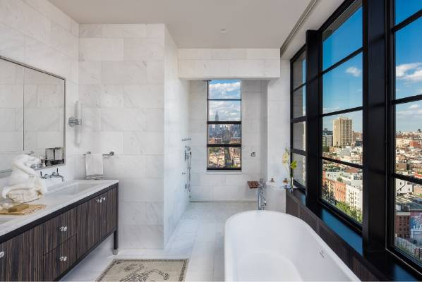 For The Super Rich The Bathroom Must Have A Stunning View