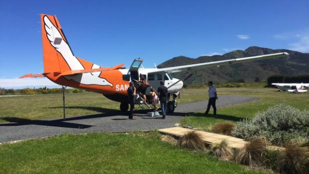 Sounds Air loading passengers at Kaikoura.