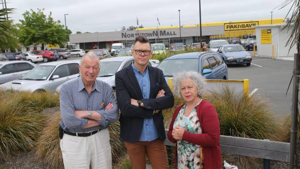 Dennis Veal, Gordon Rosewall and Alison Gray, from Alcohol Action South Canterbury, do not want another liquor store in ...