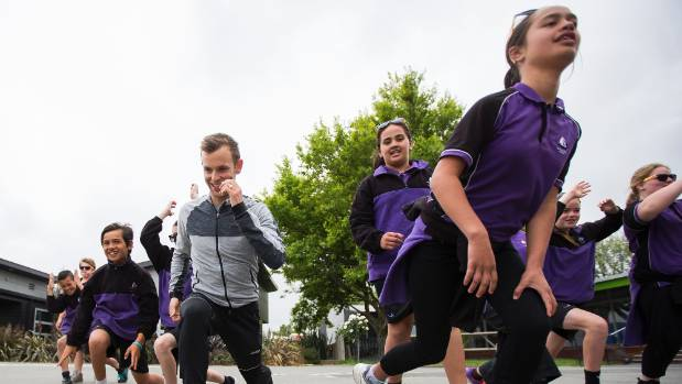Te Waka Unua School pupils will ditch their purple for yellow as they take part in this year's ASB Summer Starter.