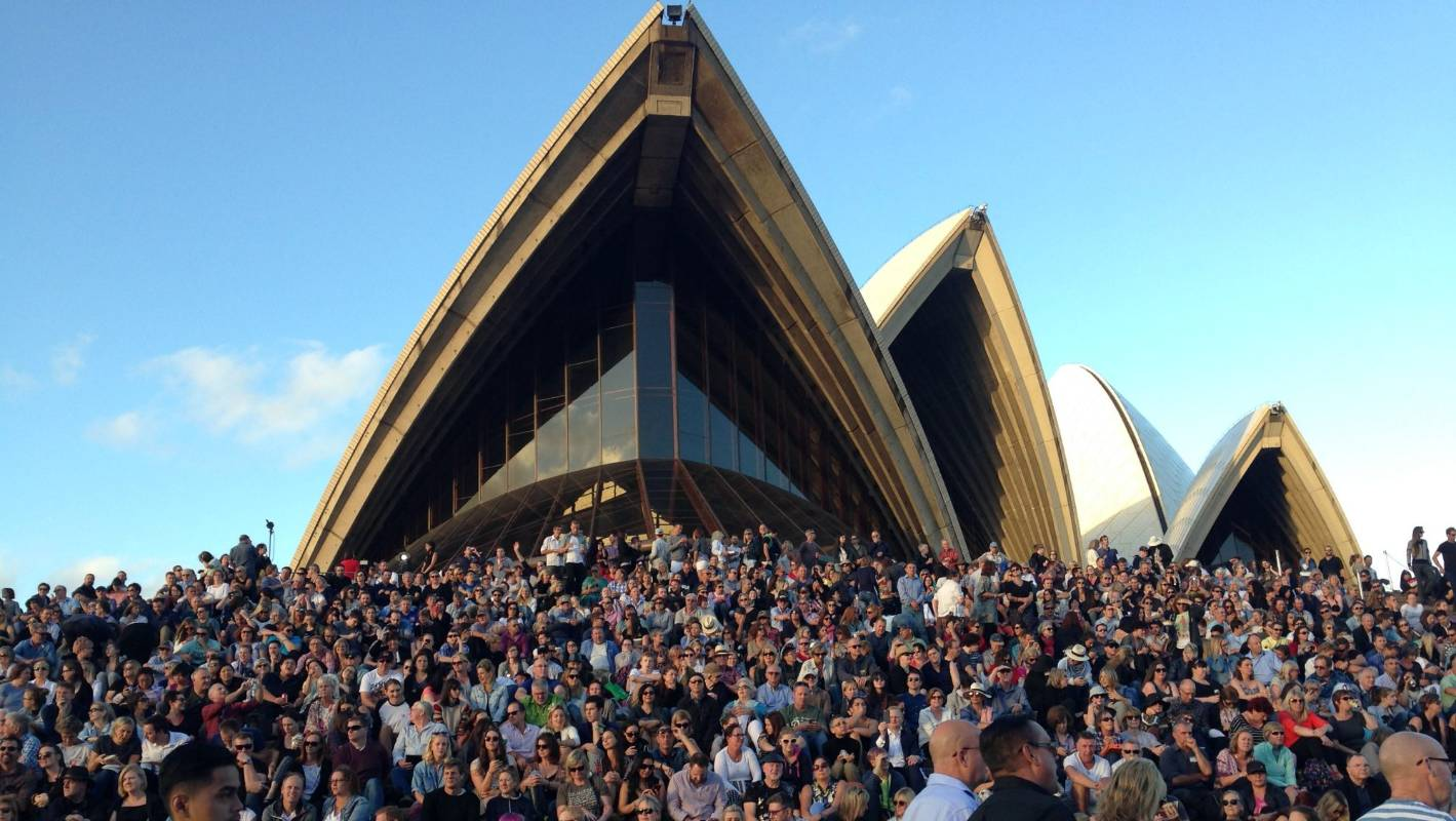 Live Review Crowded House Encore At Sydney Opera House