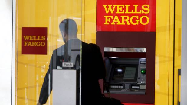State treasurers renew call for independent chair at Wells Fargo class=