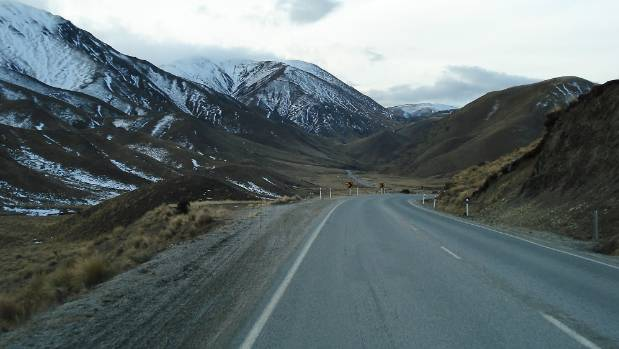 Lindis Pass may get a light dusting of Spring snow.