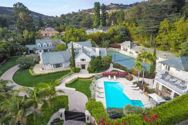 This Estate S Former Owners Include Don Johnson And Melanie Griffith The Property Is On
