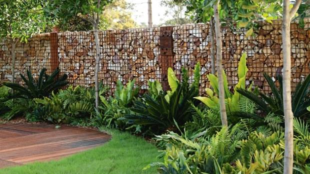 Team gabions with tropical and subtropical textures.