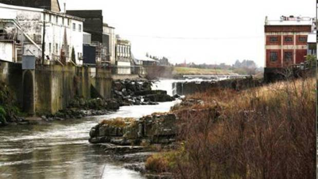 Southland's Mataura River is polluted by freezing works and a dairy factory.