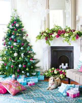 Colour co-ordinate with two central tones; here blue and pink gives a traditional tree a contemporary twist.