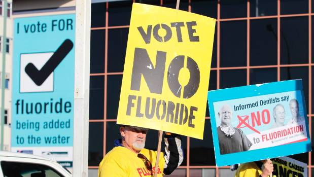 Hamilton anti-fluoride campaigners get their point across ahead of the 2013 referendum.