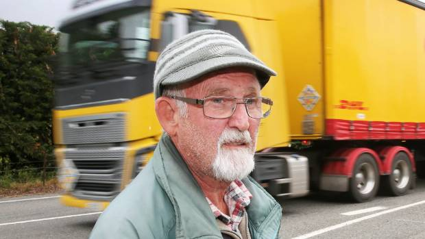 Wairau Valley resident Cliff Smith is concerned by the amount of traffic on Sate Highway 63 since the Kaikoura quake.