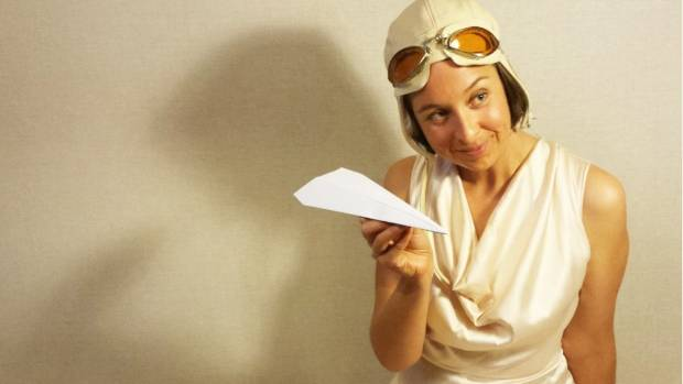 Alex Ellis plays Jean Batten in eponymous solo show celebrating the aviatrix.